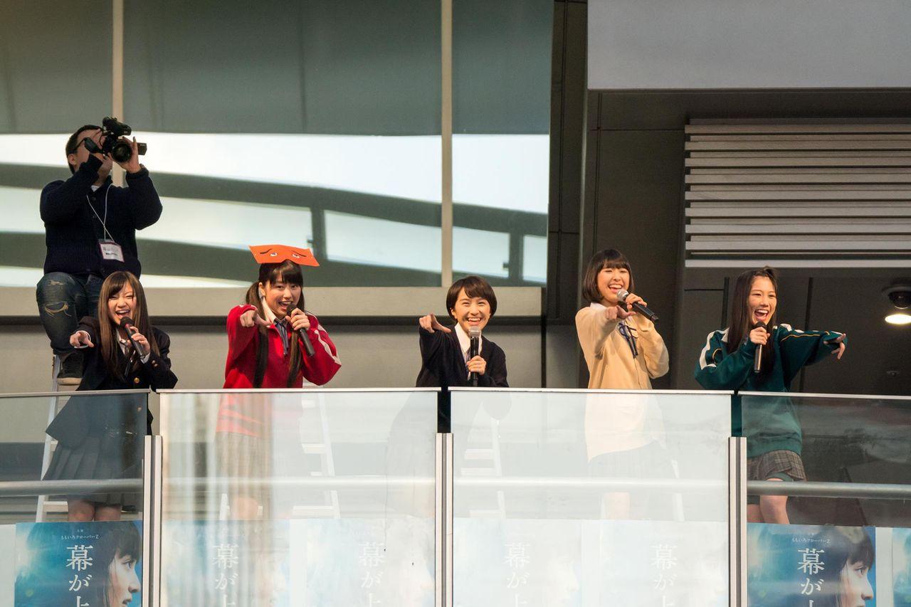 【画像あり】博多駅に来たももクロが超大物の風格なんだがwwwwww