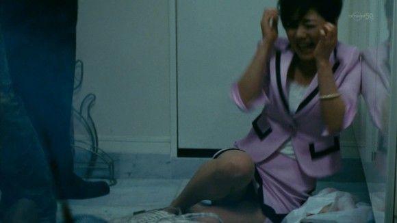 【デカ杉】倉科カナの乳の暴力と言わんばかりの乳揺れ&パ●チラwwww(※画像22枚)